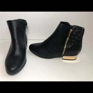 NWOT Bamboo Ankle Boots 2 Sides zippers